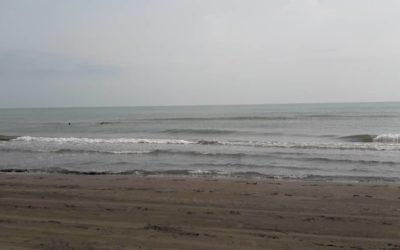 La spiaggia di Ciamkhale, una delle più famose sul mar Caspio