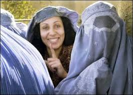 NASCERE DONNA IN AFGHANISTAN. DIVENTARE GIORNALISTA IN AFGHANISTAN.
