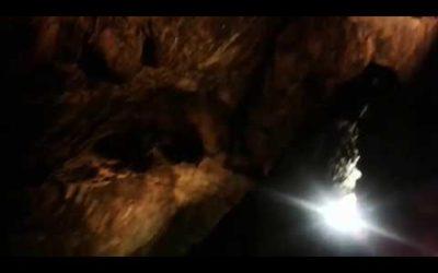 La grotta di Ali Sadr (Persian: غار علی صدر) è la grotta d'acqua più grande del mondo che attrae migliaia di visitatori ogni anno.