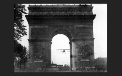 Volare sotto l'Arco di Trionfo
